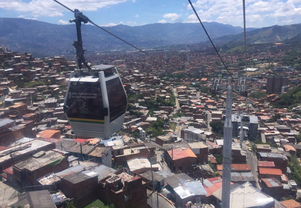 01.Cable over Medellin