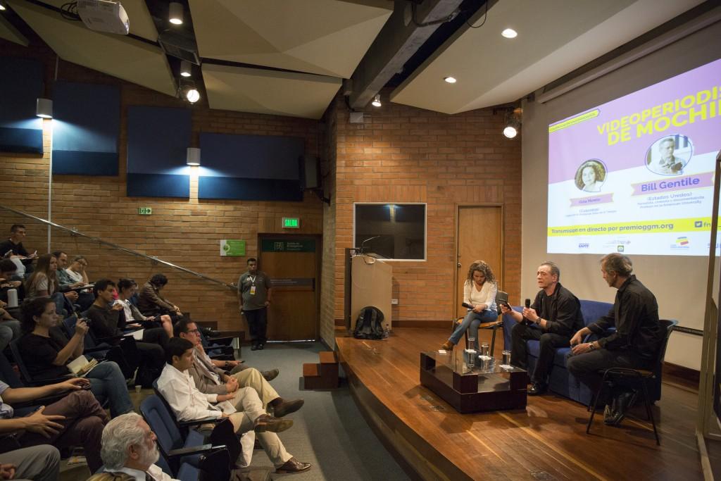Medellín .Coloquio con Gumersindo Lafuente (España) y Gina Morelo (Colombia) entrevistan a Bill Gentile (Estados Unidos). Realizado el 29 de septiembre de 2015 en la Universidad EAFIT. foto: David Estrada Larrañeta / FNPI